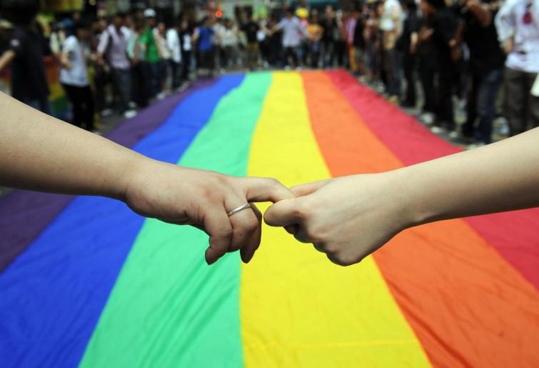 Nuovo contratto pubblica amministrazione gay