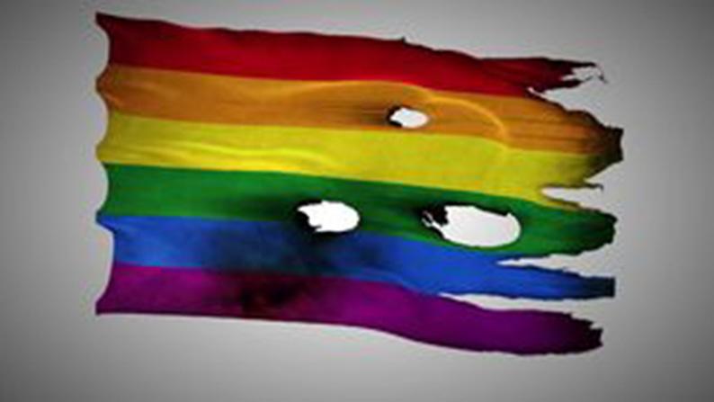 lgbt-bandiera arcobaleno bruciata
