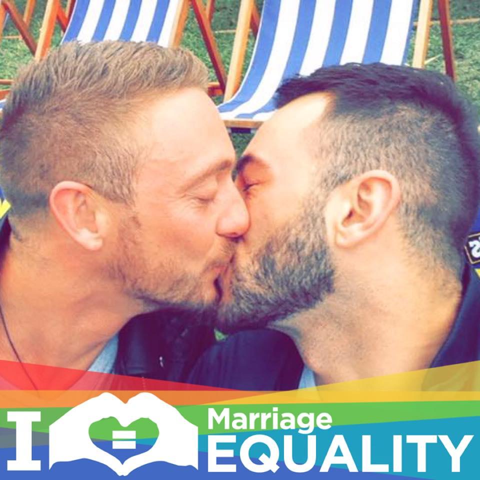 bacio gay, nico e mike