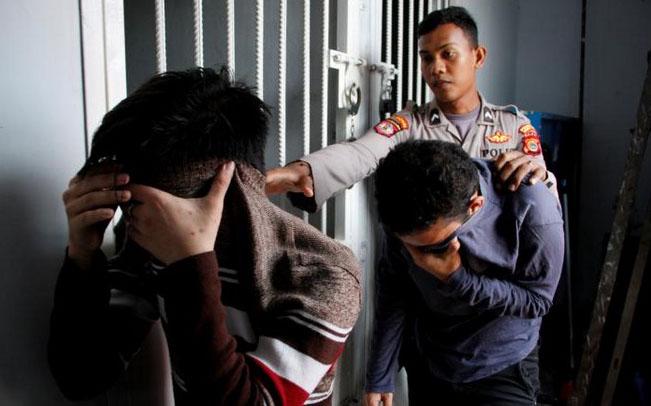indonesia, polizia anti gay