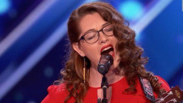 """America's Got Talent"", la cantante sorda conquista la giuria (VIDEO)"
