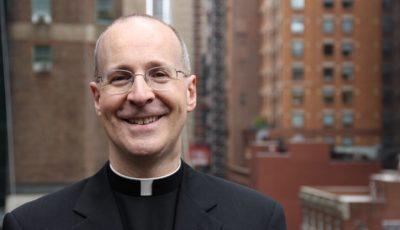 Jim_Martin, Padre Martin sfida i conservatori: