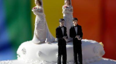 Pasticciere vietò torta nuziale a coppia gay: