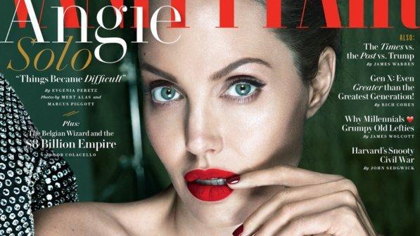 """Angelina Jolie: """"Faccio la casalinga e piango sotto la doccia"""""""