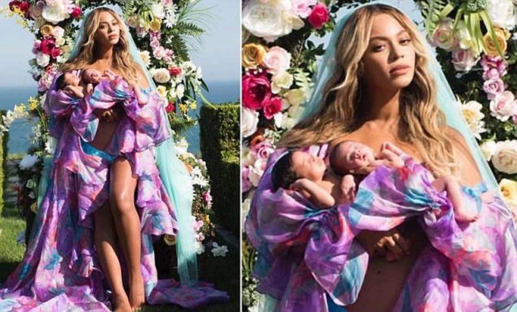 Cosa non si fa per dimenticare i tradimenti del marito: Beyoncé mostra i gemelli sul web