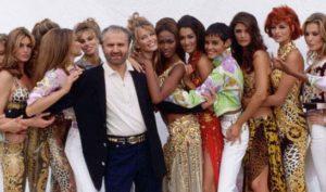 Vent'anni senza Gianni Versace: la storia del genio della moda