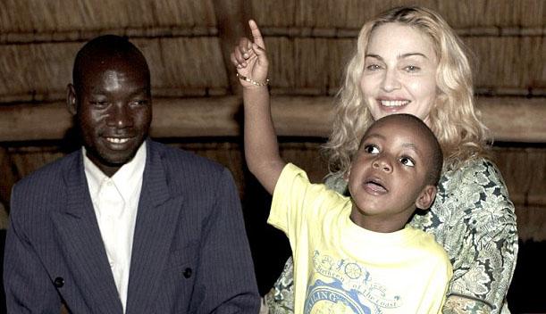 Madonna cambia casa e va a vivere a Lisbona per amore del figlio David