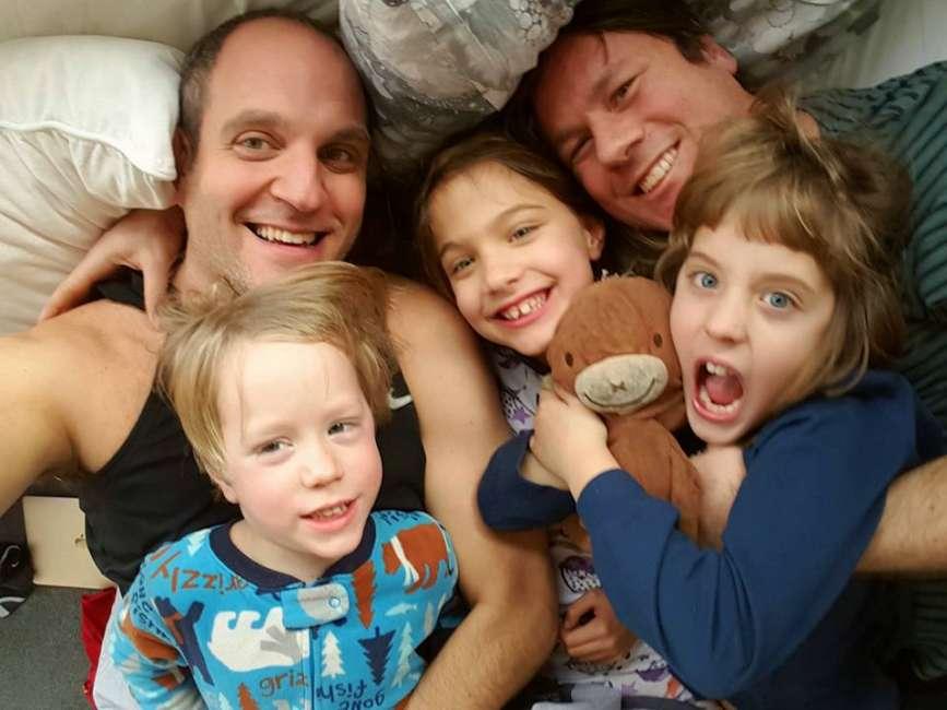 Si separa la coppia simbolo delle famiglie arcobaleno: nel 2011 si erano uniti civilmente in Svizzera