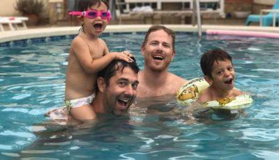 Cosa ha di speciale una famiglia con due papà? A spiegarlo sono proprio i figli (VIDEO)