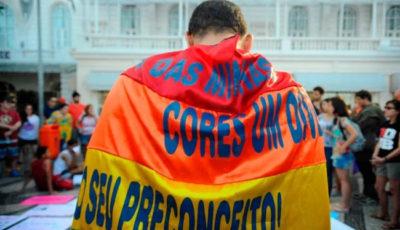 """Giudice brasiliano approva la """"terapia di conversione sessuale"""" per le persone gay"""