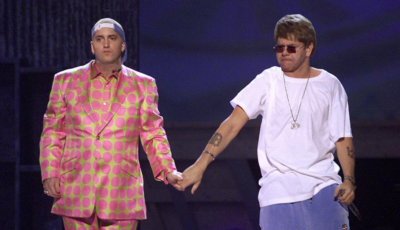 Eminem regala a Elton John