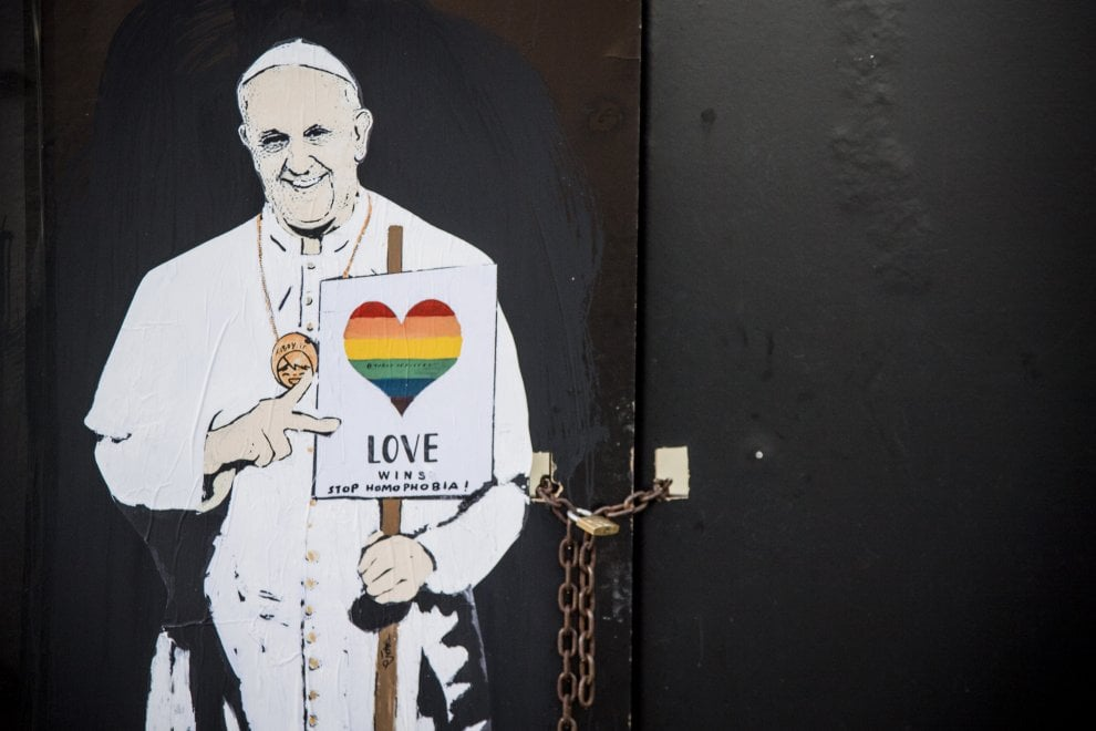 pompei, papa francesco, gay pride