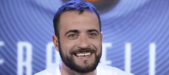 """""""Razzista e omofobo su Facebook"""": è bufera su Danilo, concorrente del Grande Fratello 15"""