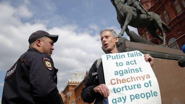 gay mosca cecenia attivista
