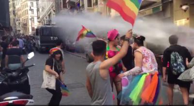 Instambul, la polizia vieta il Pride