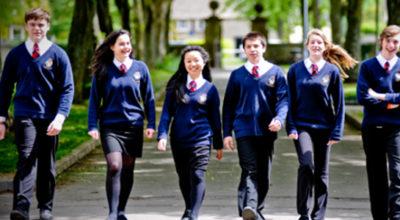 """Gender, nel Regno Unito alcune scuole vietano la gonna: """"ci vuole una divisa gender-free"""""""