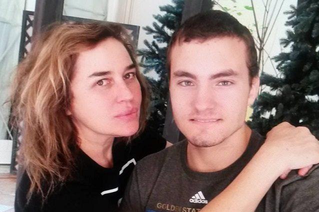Un nuovo dramma per Lory Del Santo Il figlio di 19 anni si è tolto la vita