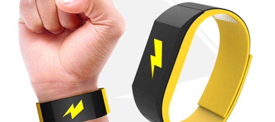 il braccialetto che dà la scossa se spendi troppo