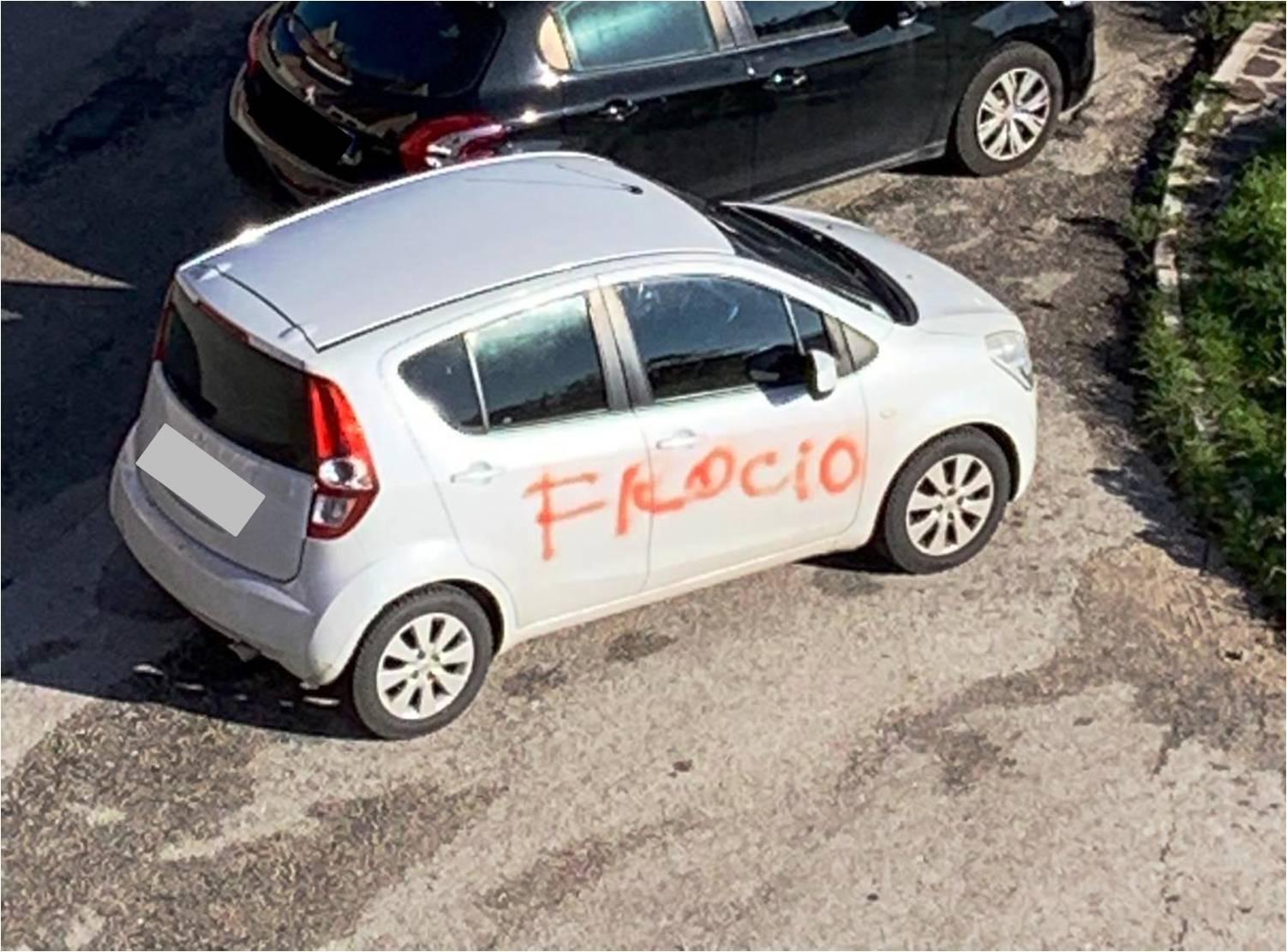 auto_campobasso_omofobia