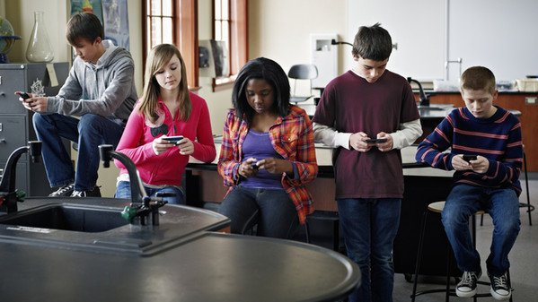 smartphone, dipendenza cel, social
