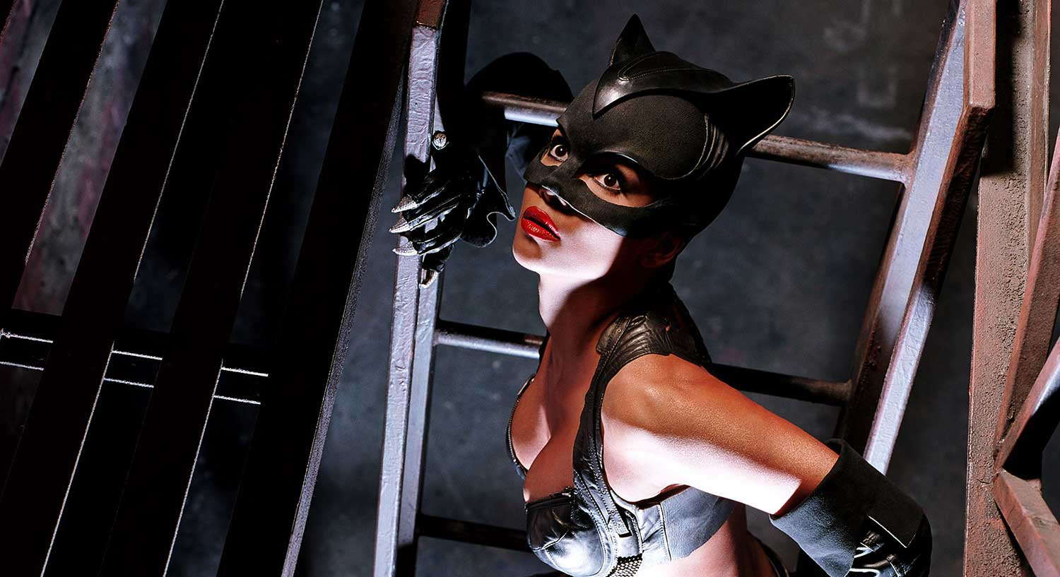 Halle-Berry-in-Catwoman-