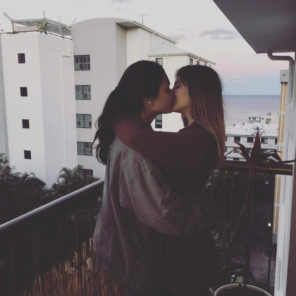bacio lesbo
