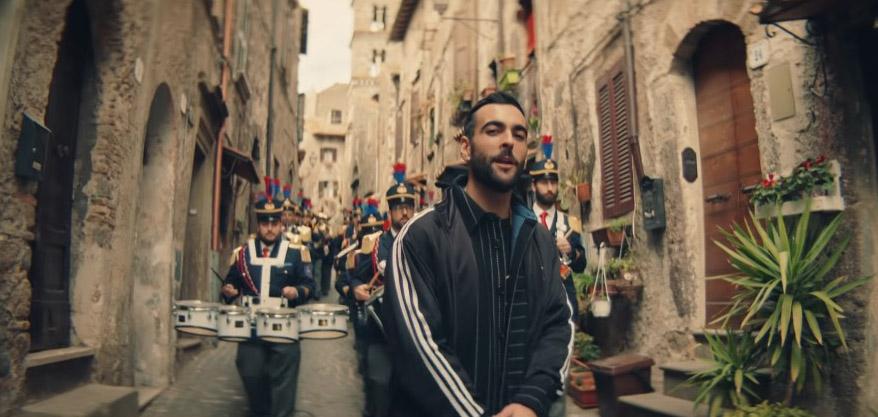 """Marco Mengoni, il nuovo singolo è """"Muhammad Alì"""" (VIDEO)"""