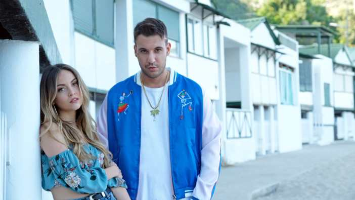 "Fred De Palma e Ana Mena tornano conquistare la classifica con ""Una Volta Ancora"" (VIDEO)"