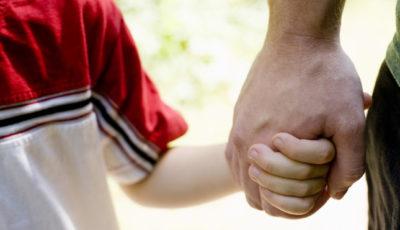 mani padre figlio
